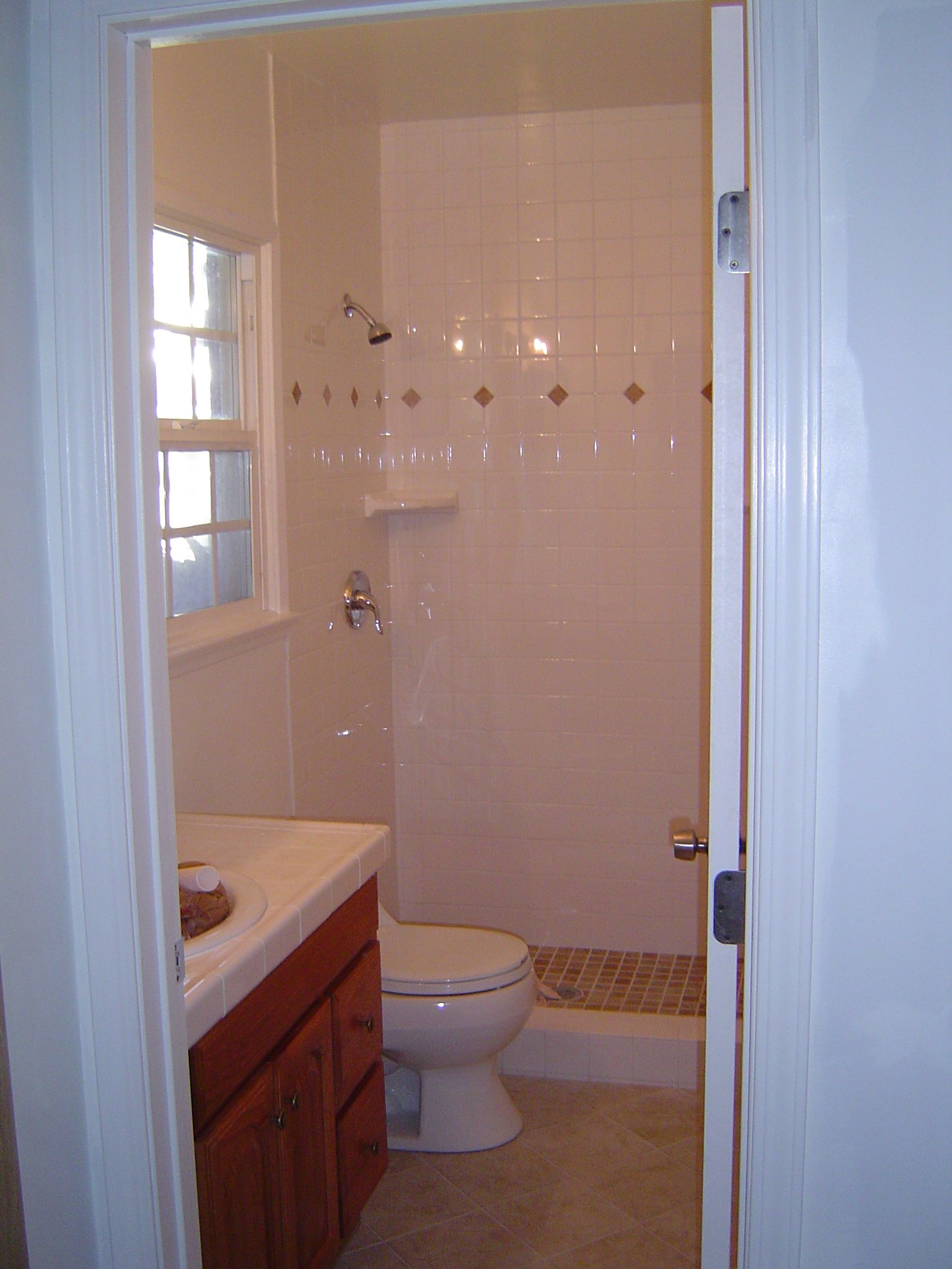 Atipros for 6ft bathroom ideas